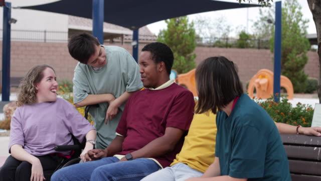 un gruppo di disabili - disability video stock e b–roll