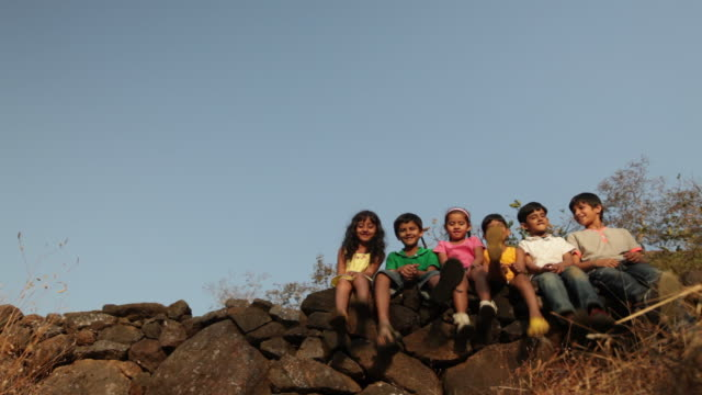 vídeos y material grabado en eventos de stock de group of kids enjoying in the forest - cinta de cabeza