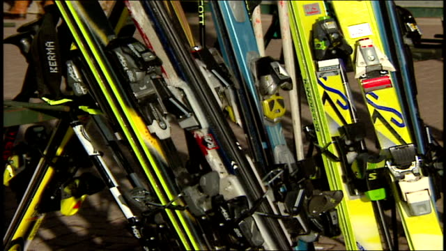 group of skis in telluride colorado - スキーウェア点の映像素材/bロール