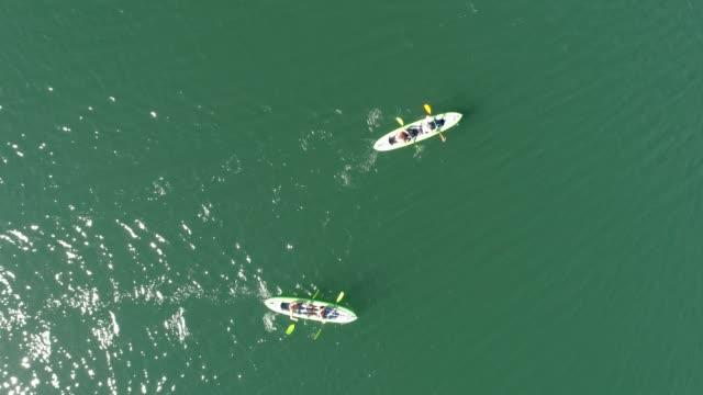 vidéos et rushes de activité sportive de groupe - kayak sport