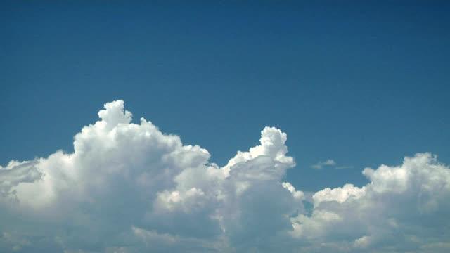 Growing cumulus clouds, timelapse