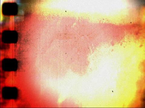 vídeos de stock e filmes b-roll de grunge celluloid título de filme - revolução industrial