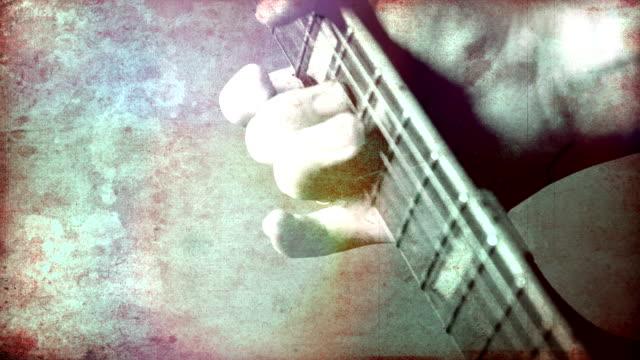 grunge-rock-gitarrenmusik. hd - griffbrett stock-videos und b-roll-filmmaterial