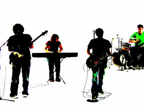 grunge-stil mit silhouette von einem band, singen gemeinsam - psychedelische musik stock-videos und b-roll-filmmaterial