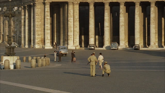 ms guards taking snapshot at street / rome,italy - anno 1960 video stock e b–roll