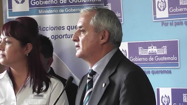 stockvideo's en b-roll-footage met guatemalan president otto perez said thursday he has no plans to resign despite being investigated for corruption and facing the possible lifting of... - mogelijk