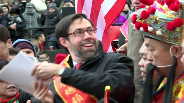vídeos de stock, filmes e b-roll de guest speaker new york state senator daniel squadron during the 17th annual chinese new year firecracker ceremony / january 28 marks the first day of... - símbolo conceitual