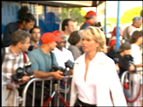guests at the 'dragonheart' premiere on may 28, 1996. - dragonheart stock videos & royalty-free footage