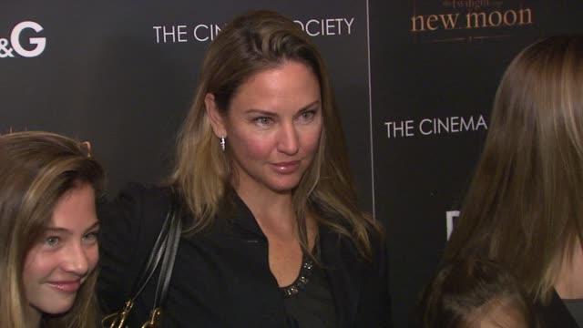 vídeos de stock, filmes e b-roll de guests at the the cinema society & d&g host a screening of 'the twilight saga: new moon' at new york ny. - apresentação de filme