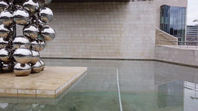 gugghenheim museum, bilbao, the basque country, spain, europe - spagna video stock e b–roll