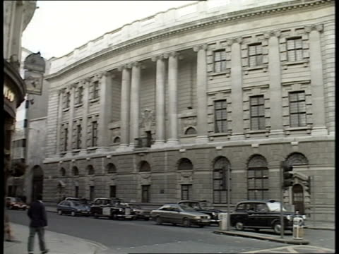 inquiry; r10300 8.12.88 itn f'back exteriors old bailey itn/lib mix/fx archive cas one & two 35207 35.42 to 37.13 - guildford stock videos & royalty-free footage