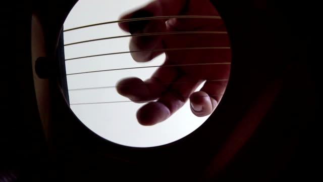 ギター - アコースティックギター点の映像素材/bロール