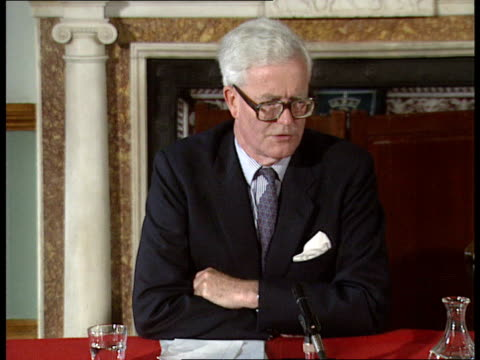 Iraqis surround western embassies INT GV Douglas Hurd walks to desk sits down and begins statement to press / speaks about enforcing blockade with...