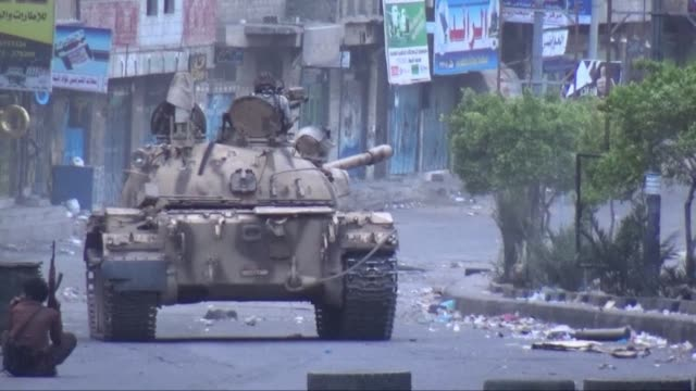 stockvideo's en b-roll-footage met gulf envoys told un chief ban ki moon on monday that there would be no immediate ceasefire in yemen unless huthi rebels withdraw from seized territory - staakt het vuren