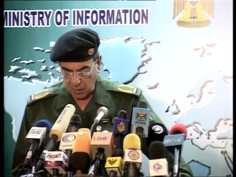 day 11 evening news itn for itv mohammed saeed al sahaf press conference sot fighters of the iraqi tribes shooted down an apache helicopter and... - kampfhubschrauber stock-videos und b-roll-filmmaterial