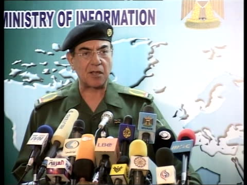 day 11 news at nine itn for itv mohammed saeed al sahaf press conference sot fighters of the iraqi tribes shooted down an apache helicopter and... - kampfhubschrauber stock-videos und b-roll-filmmaterial