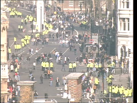 Day 3 Lunchtime News Bulletin LNN = NO Protesters Crowd of protesters at front line of march as waiting to set off PAN