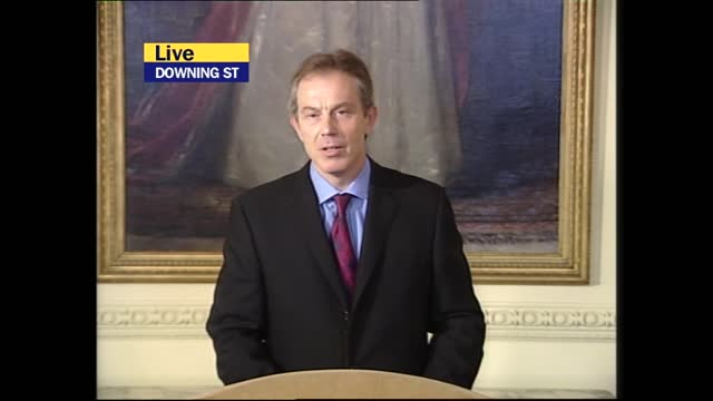 stockvideo's en b-roll-footage met saddam hussein capture: itv late news pab; l)13.00: u'lay pool england: london: downing street: number 10: int door to room where prime minister tony... - itv late news