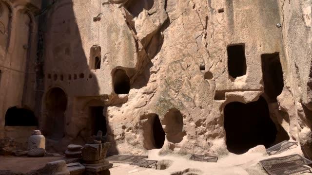 gumusler kloster, nigde stad, turkiet - apostel bildbanksvideor och videomaterial från bakom kulisserna
