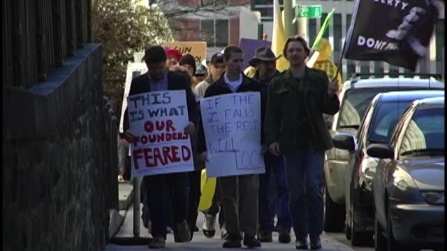 gun rights march at virginia state capitol on january 19, 2013 in richmond, va - 自衛点の映像素材/bロール