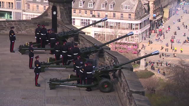 gun salute tribute at edinburgh castle, following the death of duke of edinburgh - artillery stock videos & royalty-free footage