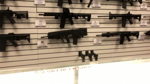 gun shop in north georgia, usa - 銃器店点の映像素材/bロール