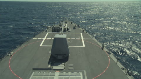 ms, ha, gun turret swiveling on military ship's bow - warship stock videos & royalty-free footage