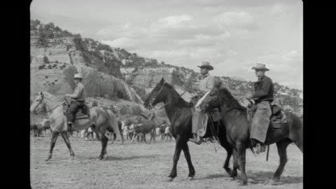 vídeos y material grabado en eventos de stock de gunfight between indians and rangers - western usa