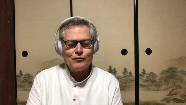 gunter pauli shares advice on mindset and overcoming setbacks. - 分散点の映像素材/bロール
