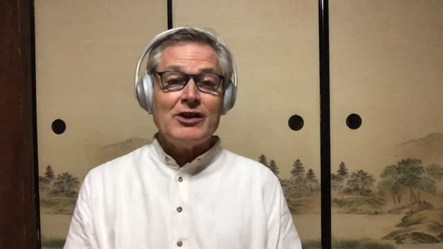 gunter pauli shares how he plans to focus his business on implementing new technologies for world change. - 分散点の映像素材/bロール