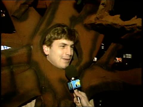 vidéos et rushes de guy dressed as tree makes joke about it - 1985