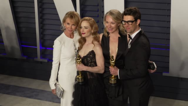 guy nattiv, jaime ray newman and trudie styler at 2019 vanity fair oscar party hosted by radhika jones at wallis annenberg center for the performing... - trudie styler stock-videos und b-roll-filmmaterial