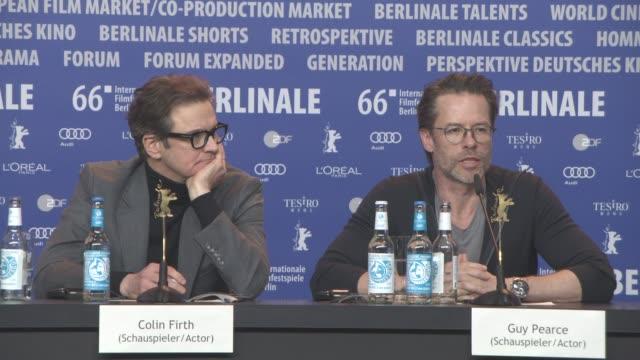 stockvideo's en b-roll-footage met interview guy pearce on his character at 'genius' press conference 66th berlin international film festival on february 16 2016 in berlin germany - internationaal filmfestival van berlijn 2016