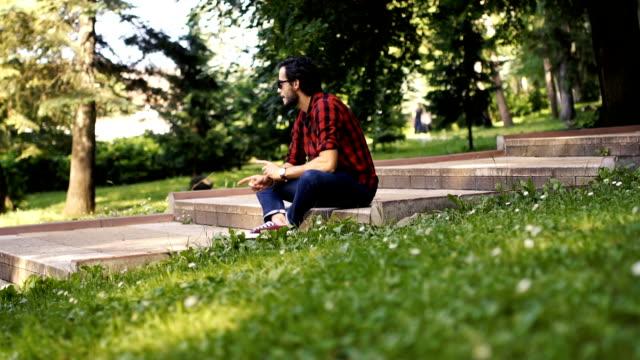 Chico relax en el Parque