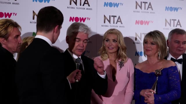 gvs and interview with holly willoughby, phillip schofield and the cast of this morning who won the best live magazine show award at the national... - フィリップ スコフィールド点の映像素材/bロール