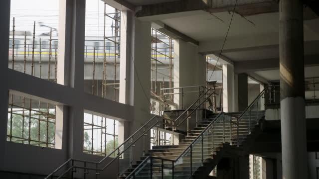 gvs construction work in delhi - bridge built structure stock videos & royalty-free footage