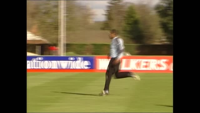 gvs england team training / david beckham; england: berkshire: bisham abbey: ext press photographing training session steven gerrard seated watching... - autographing stock videos & royalty-free footage