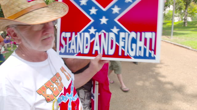gvs from jackson, mississippi where a rally is being held to preserve the confederate flag. - 社会史点の映像素材/bロール