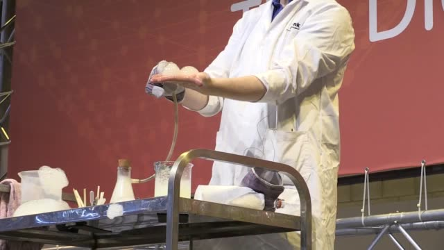 gvs from the big bang science fair at birmingham's nec, including 'cauldron chemistry' with laurence butler from thinktank and the 'do try this at... - human stage stock videos & royalty-free footage