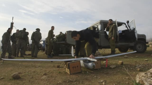 vidéos et rushes de gvs from the jordan valley where the ultraorthodox are required by law to serve the israeli defense forces much to the community's dismay - israël