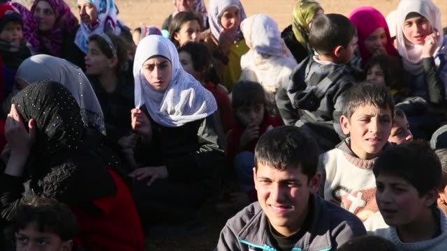 gvs from the syrian conflict in which 15 million syrian refugees have flooded into lebanon - シリア難民問題点の映像素材/bロール