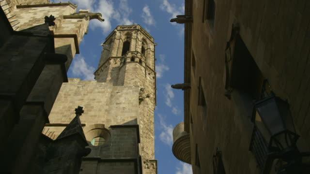 gvs gothic quarter in barcelona, spain - ゴシック地区点の映像素材/bロール