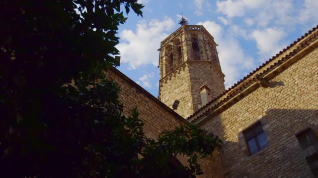 gvs medieval architecture in barcelona, spain - ゴシック地区点の映像素材/bロール