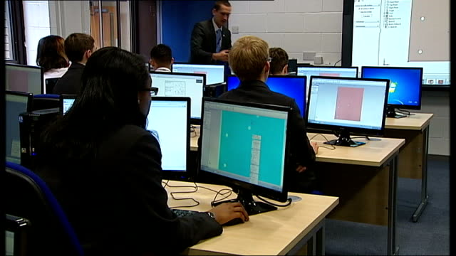 gvs of black country university technical college various of students working on 3d designs on computers and teacher explaining programme using large... - technical college stock videos & royalty-free footage