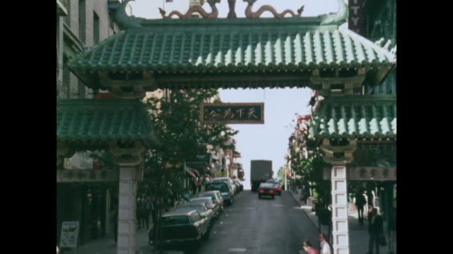 vídeos de stock e filmes b-roll de gvs of chinatown and dragon's gate, san francisco - 1970 1979