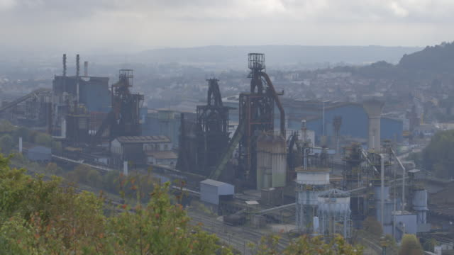 """vidéos et rushes de gvs of exterior of closed down and derelict acelormittal steel factory in hyrange france - """"bbc news"""""""