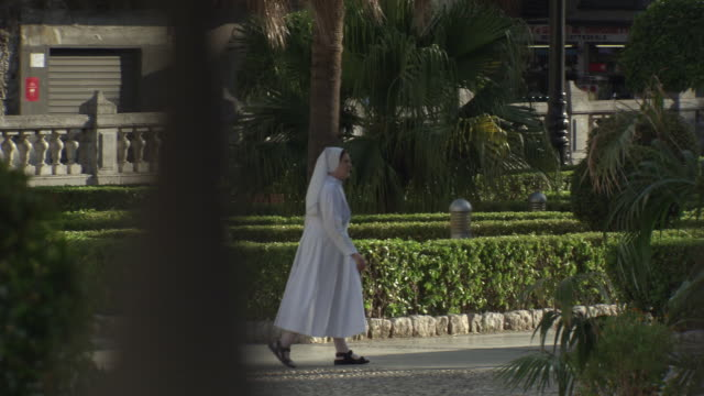 stockvideo's en b-roll-footage met gvs of people and famous places in palermo, sicily - non urban scene