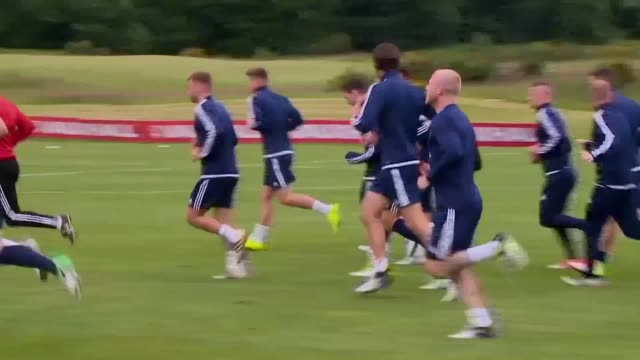gvs of scotland training ahead of their world cup qualifying match against england including gvs of gordon strachan and robert snodgrass - ゴードン ストラハン点の映像素材/bロール