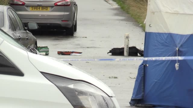 stockvideo's en b-roll-footage met gvs of the scene at the junction of ufton lane and lambdens hill in berkshire where a police officer was killed while attending a reported burglary... - newbury engeland