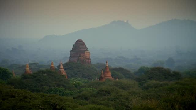 gvs temples in bagan, burma - pagoda stock videos & royalty-free footage